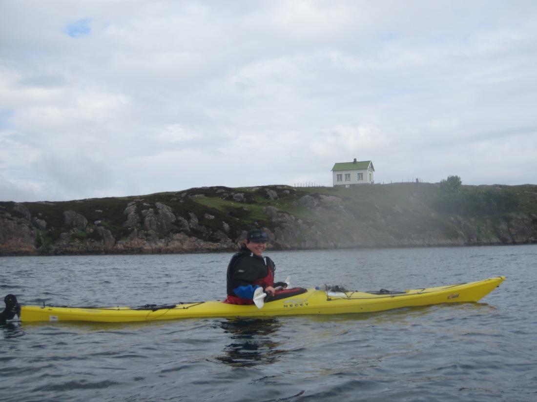 Betty i Eliza'en, Kalvøya bak.