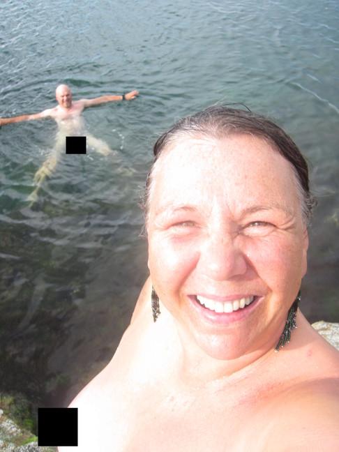 Bade-selfie, noe sensurert.