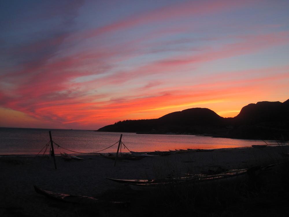 Kveldsstemning siste kveld på Stokkøya.Sees igjen neste år.