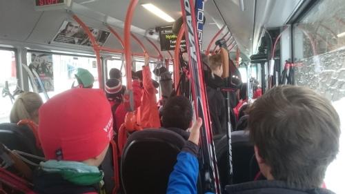 Fullt på buss nr. 10