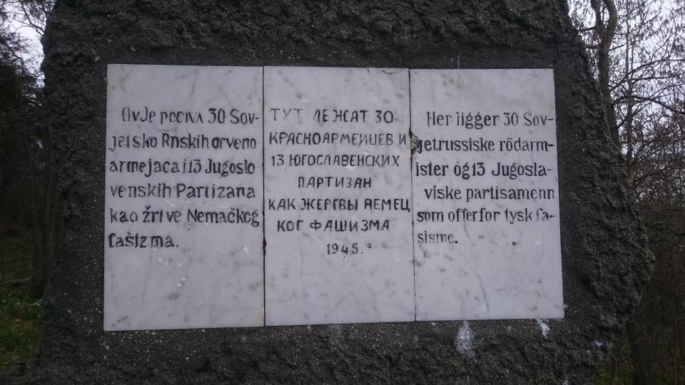 Teksten på minnesmerket